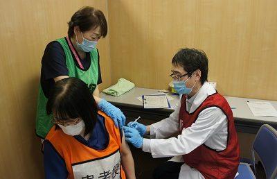 ワクチン接種のシミュレーションを行いました